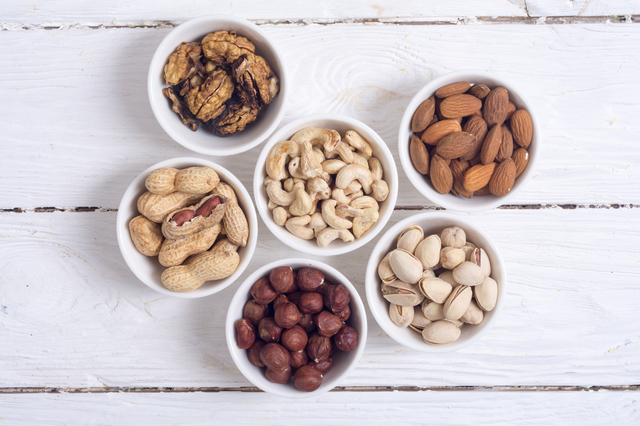 Mix of nuts : Pistachios, almonds, walnuts, peanuts, hazelnuts , cashew